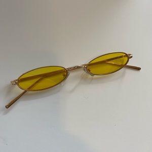 Yellow Fashionable Sun Glasses ✨